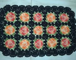 Tapete de Croch� Preto e Flor Colorida