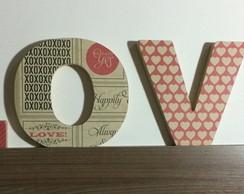 """""""LOVE"""" em MDF com papel de scrapbook"""
