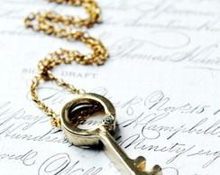 Colar Gold Key