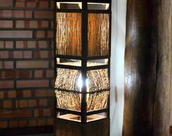 Lumin�ria de ch�o com bambu