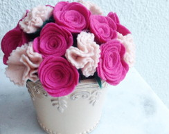 Arranjo de mini-rosas e mini-cravos