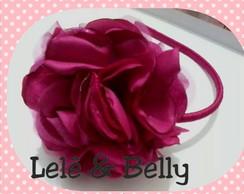 Tiara com flor cam�lia grande