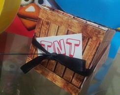 caixinha TNT