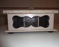 Caixa de ch� com visor de vidro
