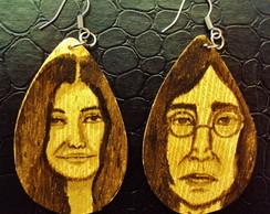 Brincos de madeira (Lenon e Yoko)