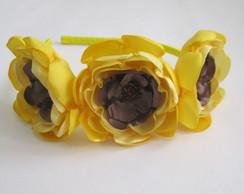 Tiara Flores Cetim Amarelo Marrom