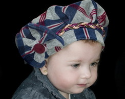Boina Infantil azul xadrez em plusch