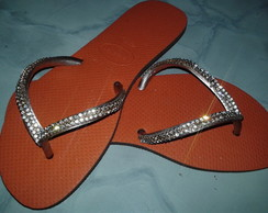 Chinelo Flat Decorado com Strass