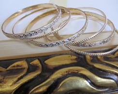 Conjunto pulseiras em metal