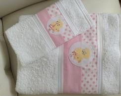 Jogo de toalhas beb� com aplica��o