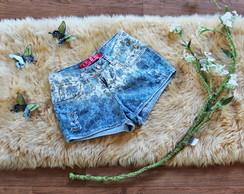 Short Jeans com desenho de folhas