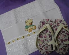 conjunto Chinelo infantil e toalhinha