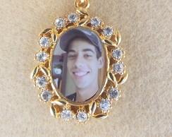 Medalha personalizada floral dourada