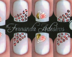 rosa com on�a lateral