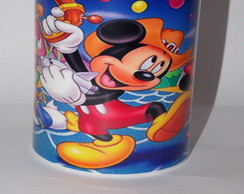 Caneca Pl�stica Turma do Mickey