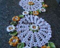 Caminho de mesa Espiral com flores.
