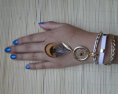 Pulseira Hippie Chic com Dreamcatcher
