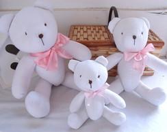 "Kit Ursos Branco La�o Rosa ""P, M e G"""