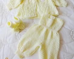 Conjunto em tric� feito a m�o amarelo