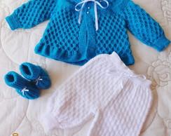 Conjunto tric� feito a m�o branco/azul