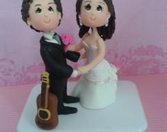 Topo de Bolo noivo com viol�o