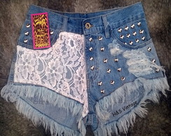 Short Customizado com Rendas e Tachas