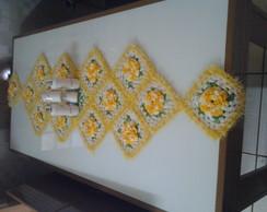 caminho de mesa feito em croche