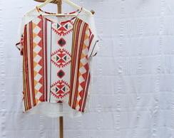 Blusa �tnica com detalhe em renda