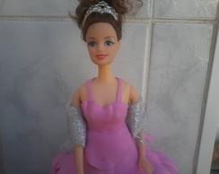 Boneca tipo Barbie com roupa em E.V.A