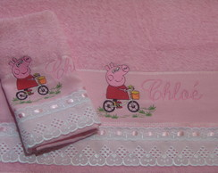 Jogo de toalha banho e lavabo bordada