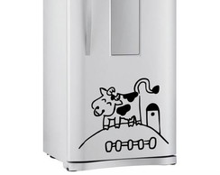 Adesivo de geladeira vaquinha na ro�a