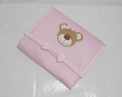 Trocador port�til rosa de po� branco