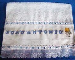 Toalha Bordada em Ponto Cruz