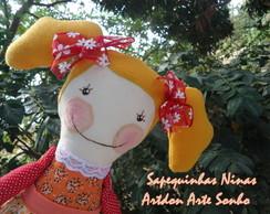 Boneca de pano Sapequinhas Nina