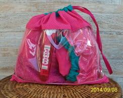 Kit Bag: Touca de banho + kit higiene