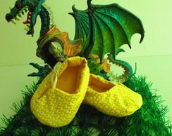 Sapatinho Bernardo amarelo com bolinha