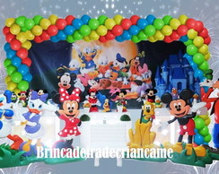 Mesa decorada no proven�al Turma Disney