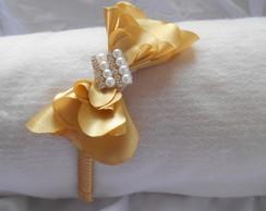 Tiara Flor La�o Dourada Broche