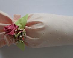 Bala com flores de tecido