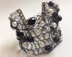 Bracelete Black Crochet Rock Cherry