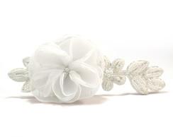 Arranjo Para Noiva com flor e pedraria