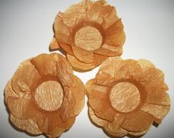 Forminha de doces finos dourada