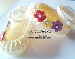 Sapatinho de beb� Florzinhas de croch�