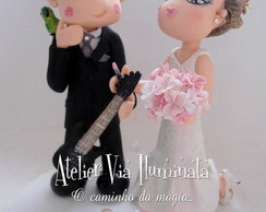 Topo de Bolo noiva beijando noivo