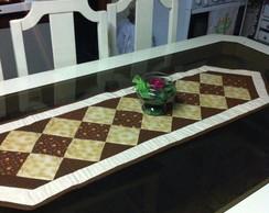 Caminho de mesa em patchwork