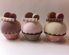 Cupcake com palitinho e confeitos