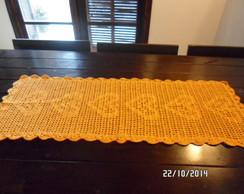 Caminho de mesa em croch� de linha