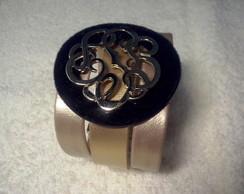 Bracelete dourado com medalh�o