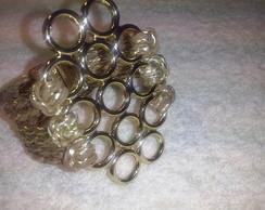Pulseira dourada com c�rculos