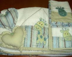 Kit toalha de banho beb� e 3 babinhas